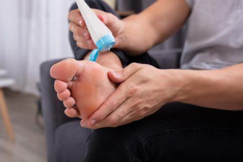 BRADAVICE NA STOPALIMA I ŠAKAMA 101 Foot Clinic (2)